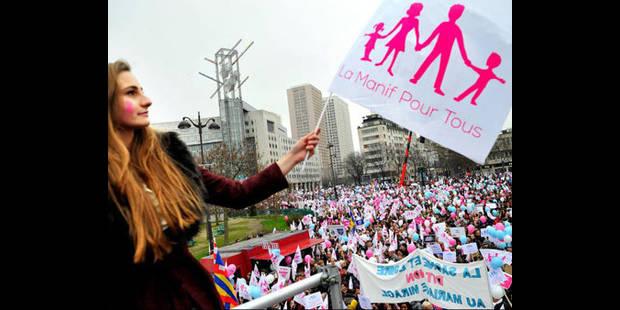 Des  milliers de personnes rassemblées à Paris contre le mariage homosexuel - La DH