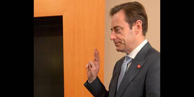 Bart De Wever veut un Roi protocolaire. Punt... - La DH