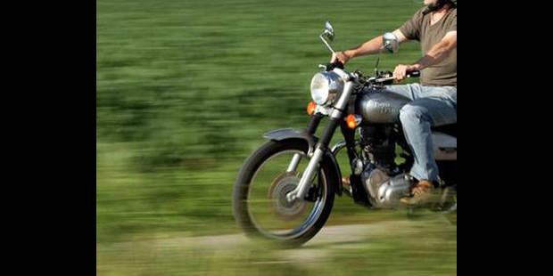 Un motard de 22 ans entre la vie et la mort - La DH