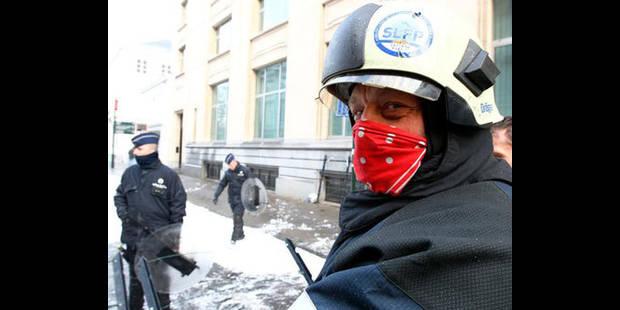 Budget: les pompiers brandissent la menace d'actions s'ils ne sont pas entendus - La DH