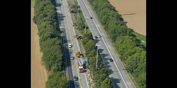 Un conducteur s'encastre dans un camion sur l'E42 à hauteur de Bellevaux - La DH