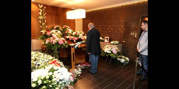 Funérailles de Michel Daerden: un écran géant installé à l'extérieur du funérarium - La DH
