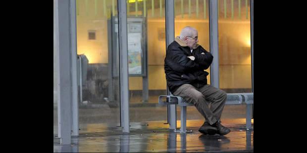 Les 65 ans et plus devront demander et payer leur carte De Lijn - La DH