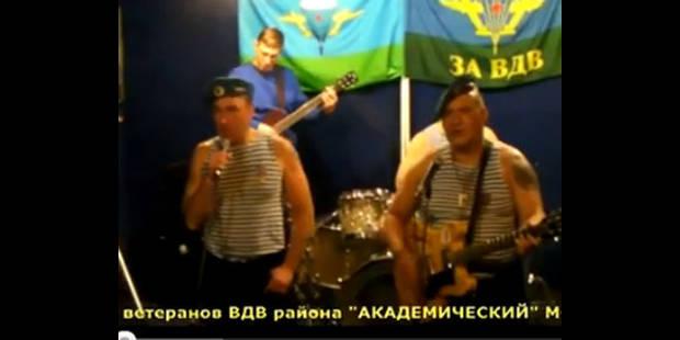 Des ex-parachutistes russes chantent contre Poutine - La DH