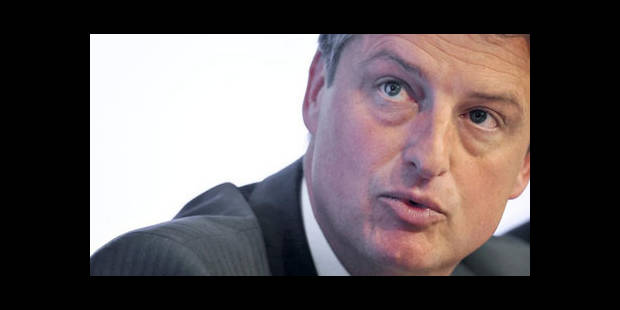 Olivier Chastel répond à la polémique sur les salaires des ministres - La DH