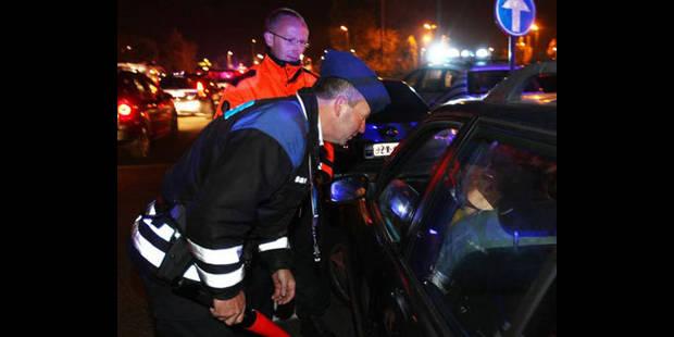 La police intercepte 24 personnes à Hal-Vilvorde - La DH