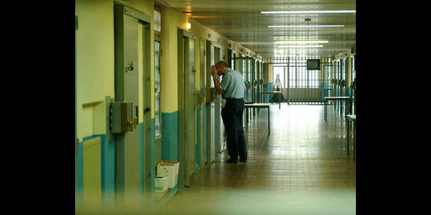 23 détenus de Lantin réclament des visites et des formations - La DH