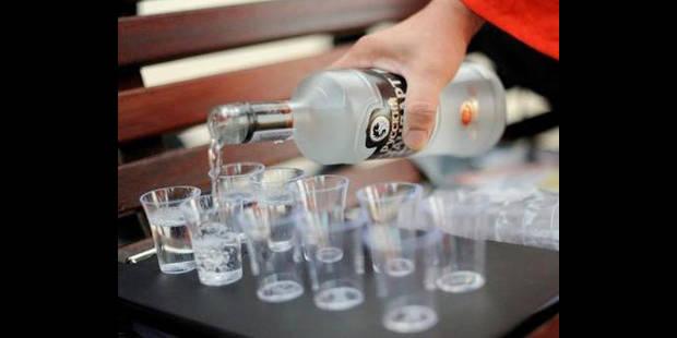 Les médecins spécialistes âgés boivent davantage que leurs jeunes collègues - La DH