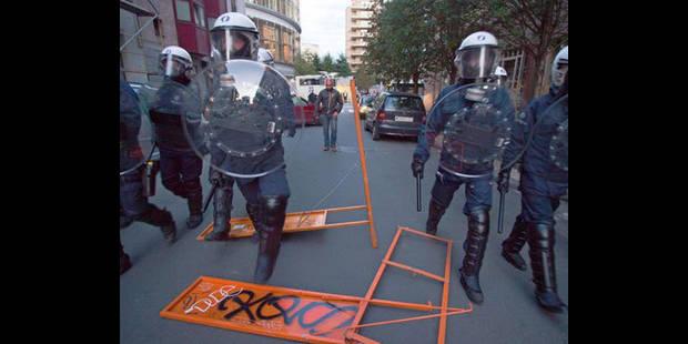 """Mouvement des """"indignés"""" : un taggueur arrêté par la police à Bruxelles - La DH"""