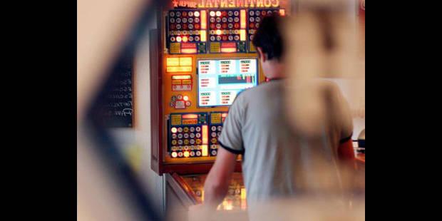 La police des jeux dans les cafés - La DH