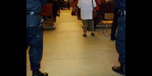 Dix ans requis contre un Français poursuivi pour abus sexuels sur plus de 30 mineurs - La DH