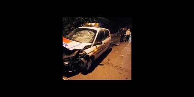 Collision avec une voiture de police après une course-poursuite à Charleroi - La DH