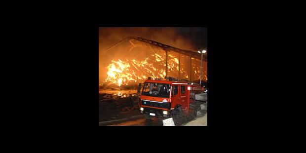 Le hangar détruit - La DH