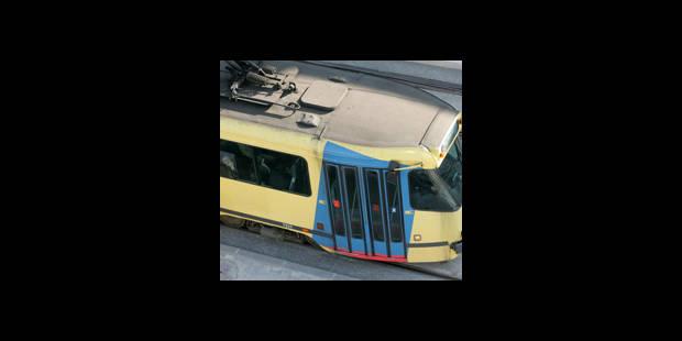 Un tram déraille en raison des intempéries à Laeken - La DH
