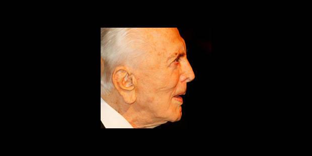 Kirk Douglas distribue des repas gratuits aux démunis - La DH