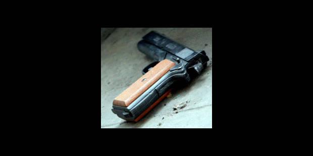 Une policier gravement blessé par balle - La DH