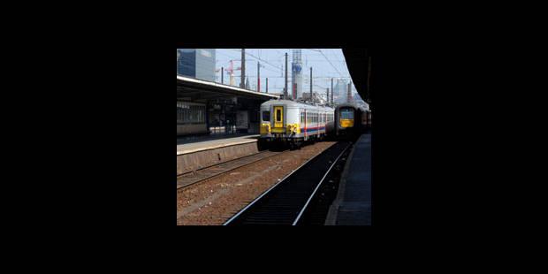 Dinant : un accompagnateur de train chute sur la voie et perd les deux jambes - La DH