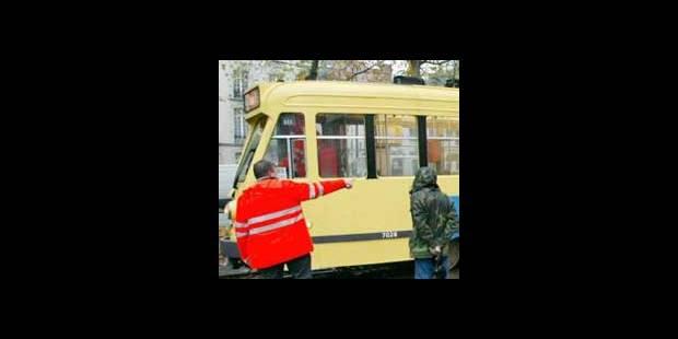Six personnes blessées lundi dans un accident entre deux trams - La DH