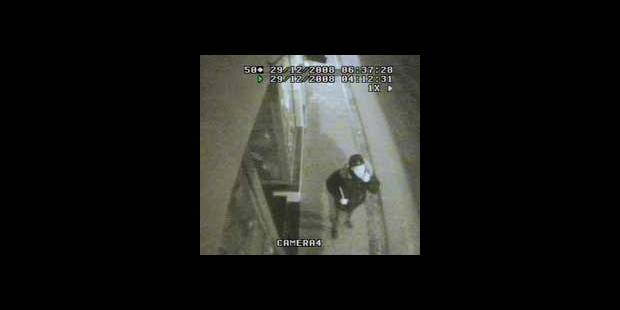 Des voleurs en action - La DH