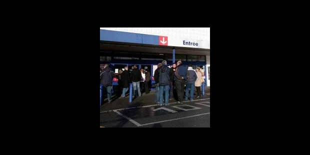 La grève se poursuit au magasin Carrefour de Gosselies - La DH