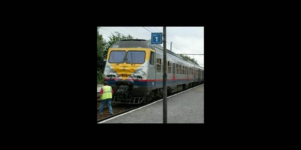 Un jeune de 17 ans fauché par un train à Namur - La DH