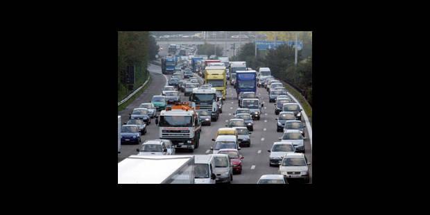 La circulation sur l'E40 perturbée par un camion - La DH