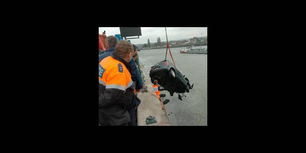 Une voiture tombe dans la Meuse et tue son conducteur - La DH