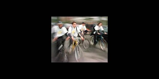 Vélos: phare allumé le jour - La DH