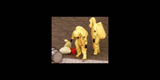 Bioterrorisme:  enveloppes suspectes et  psychose - La DH