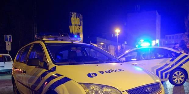 Trois policiers blessés par des hooligans lors du match Sprimont-La Louvière - La DH