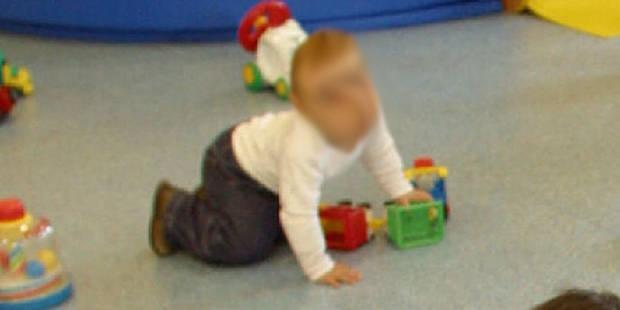 Une puéricultrice cogne la tête d'un bébé contre un mur: 8 mois avec sursis - La DH