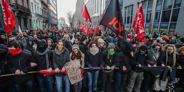 10.000 manifestants ont déambulé dans les rues de Bruxelles jeudi - La DH