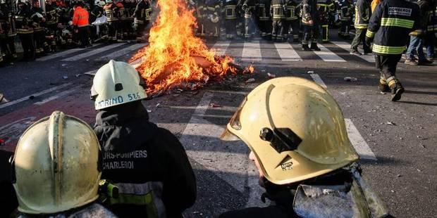Des dizaines de poubelles et cinq à dix voitures brûlées à Bruxelles - La DH