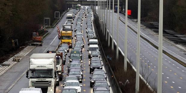 L'accident de Merelbeke provoque des files vers Gand pendant l'heure de pointe - La DH