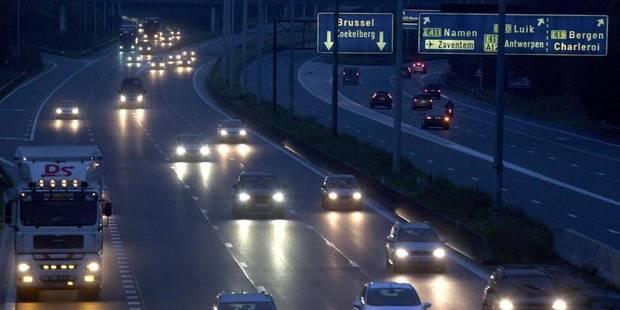 Importantes perturbations du trafic sur l'E40 à Grand-Bigard à la suite d'un accident - La DH