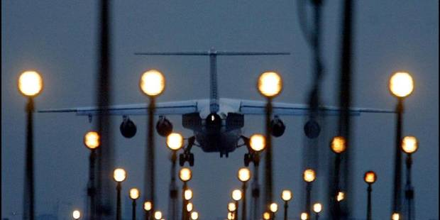 Les syndicats de l'aéroport protestent contre l'arrivée des compagnies low-cost - La DH