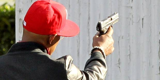 Saint-Gilles : ils terrorisent leur quartier avec un pistolet d'alarme ! - La DH