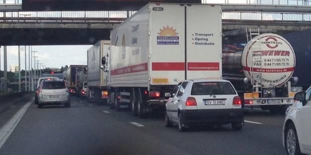 5 camions accidentés: gros embarras sur le ring de Bruxelles - La DH