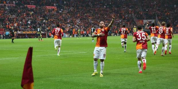 Sneijder offre la coupe au Galatasaray - La DH