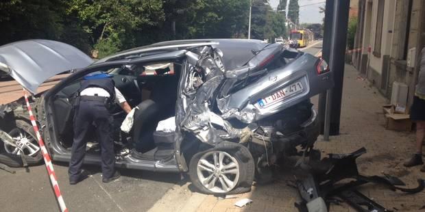 Gosselies: un automobiliste grièvement blessé après une collision avec un tram - La DH