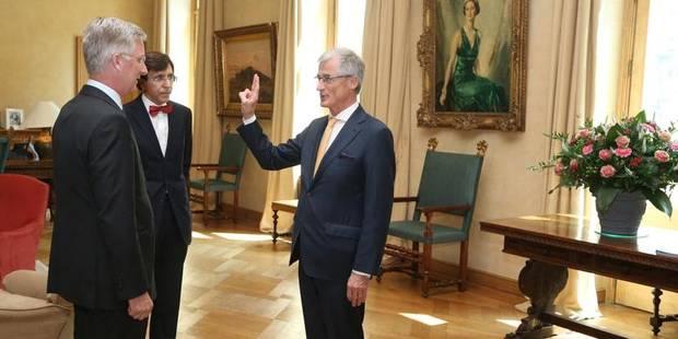 Quand le N-VA Geert Bourgeois jure fidélité au Roi des Belges... - La DH