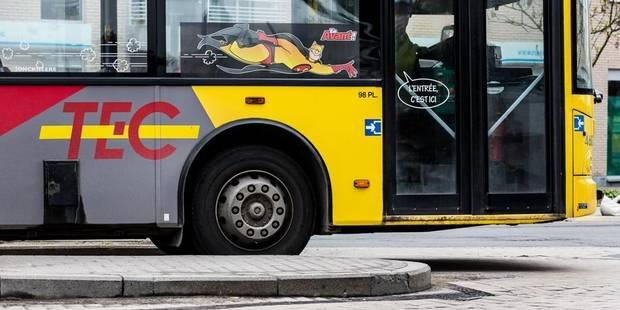 Une jeune fille se fait renverser par une voiture en descendant du bus - La DH
