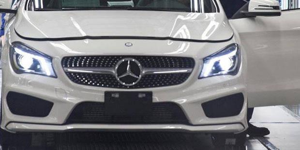 Il encastre sa Mercedes dans un semi-remorque - La DH