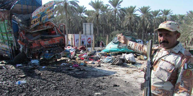 57 morts dans une collision entre un autocar et un camion au Pakistan - La DH