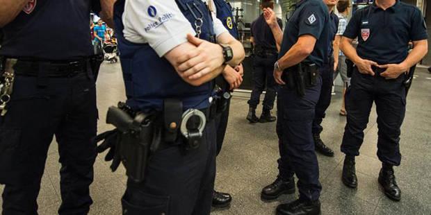 Deux policiers blessés à Molenbeek après avoir faussement manipulé une arme - La DH