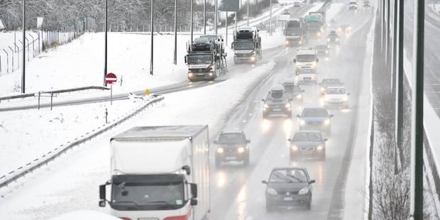 Chaos sur les routes au sud du pays: des camions bloqués paralysent le trafic - La DH