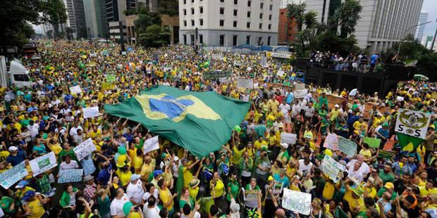 Manifestation monstre à Sao Paulo contre Dilma Rousseff (PHOTOS) - La DH