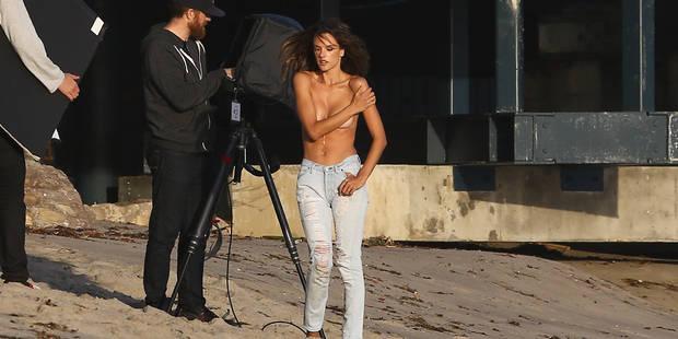 Alessandra Ambrosio pose topless ! - La DH