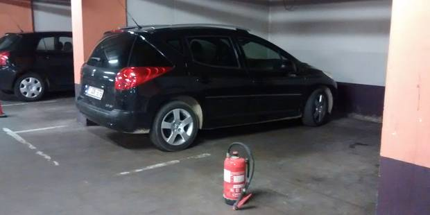 Voiture enfumée dans le parking de la Grand-Place - La DH