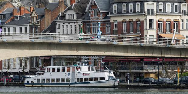 Elle sort de l'hôpital, est percutée par une voiture et tombe dans la Meuse - La DH